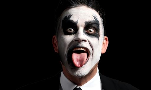 Robbie-Williams-Let-Me-Entertain-You-Tour-Malaysia