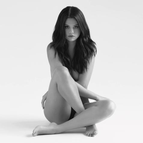 Selena-Gomez-Revival-2015-1500x1500