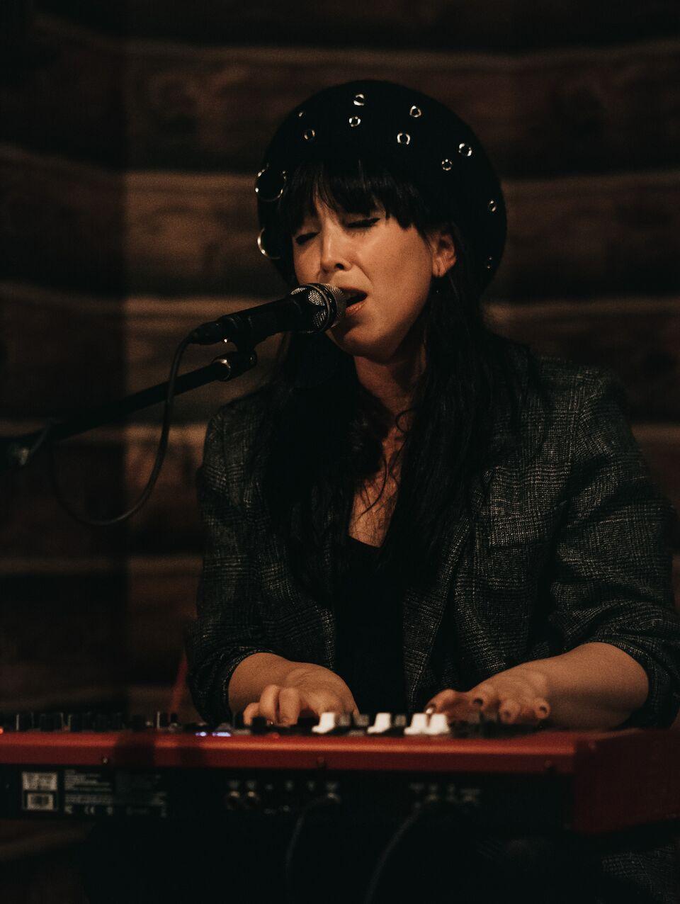 LIVE REVIEW: Katy Steele – Junk Bar – ThomasBleach
